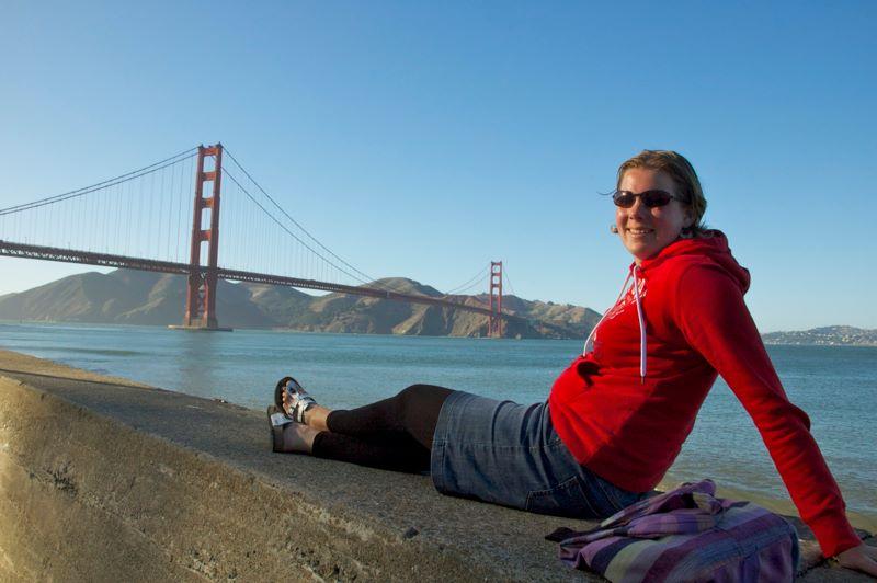 Marcella bij de Golden Gate Bridge in San Fransisco, Amerika