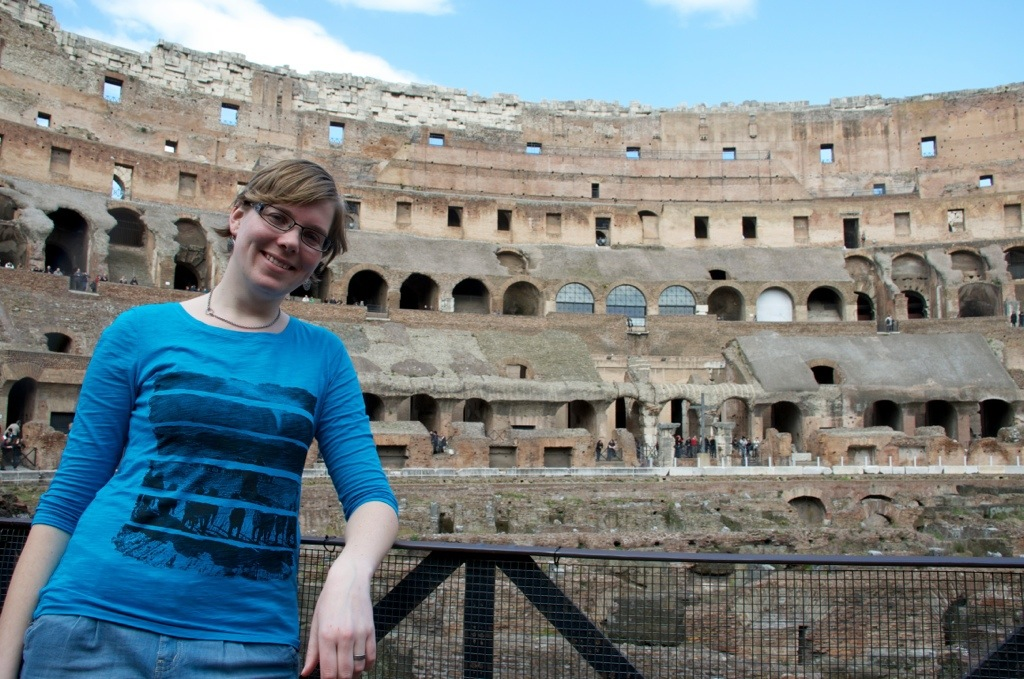 Marcella bij Colosseum in Rome