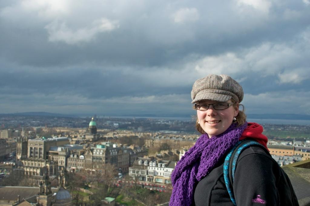 Marcella met uitzicht over Edinburgh