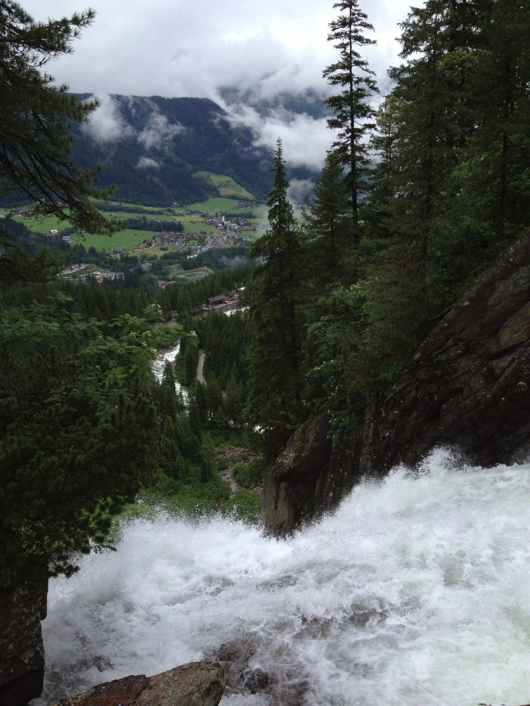 Uitzicht vanaf Krimml Wasserfalle in Salzburgerland, Oostenrijk