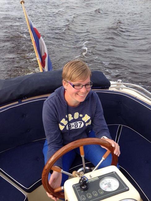 Marcella op de boot in Friesland