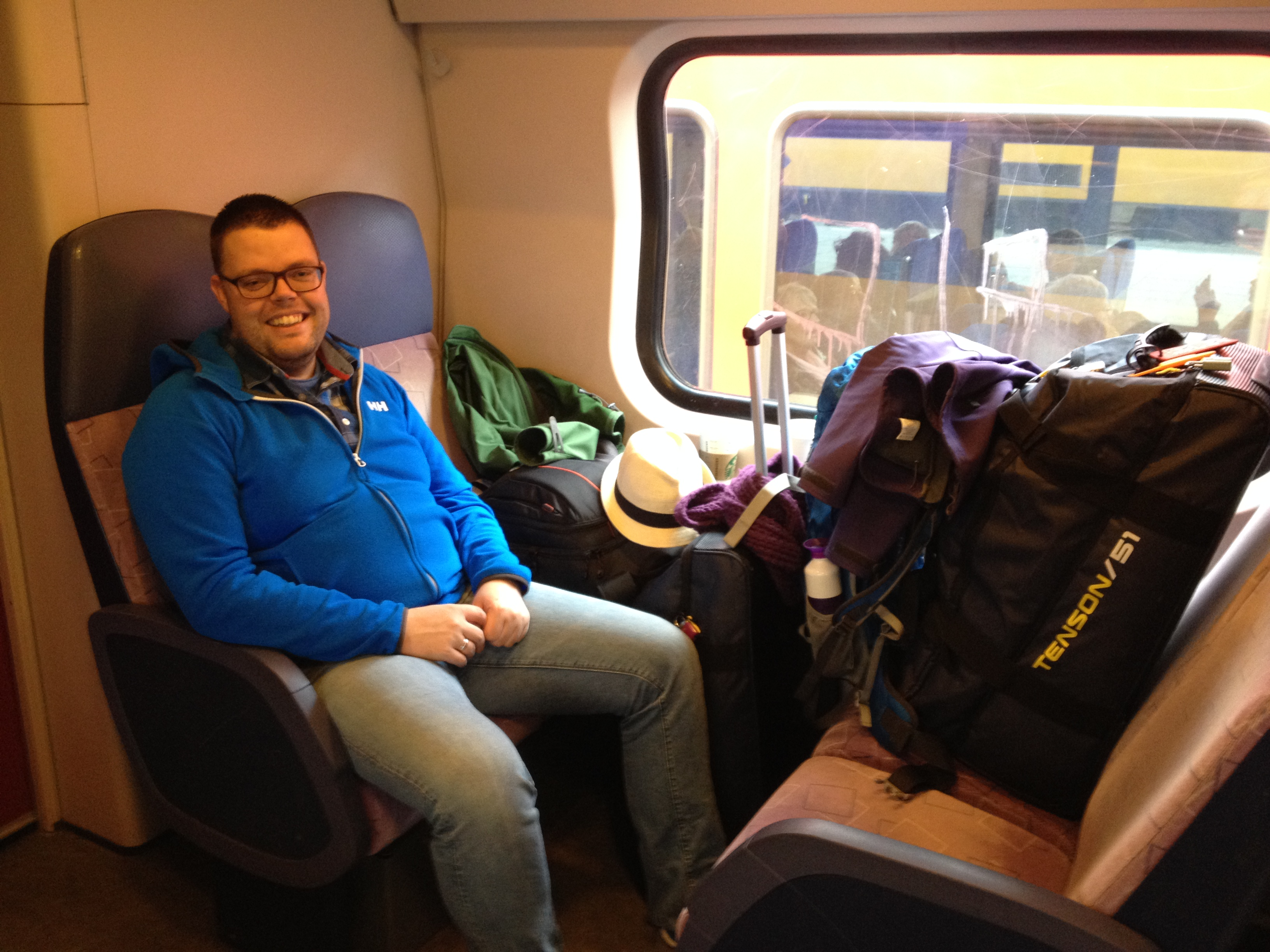 Koffers in de trein