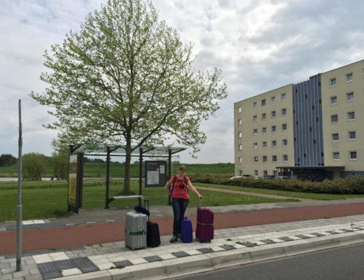 Marcella met koffers