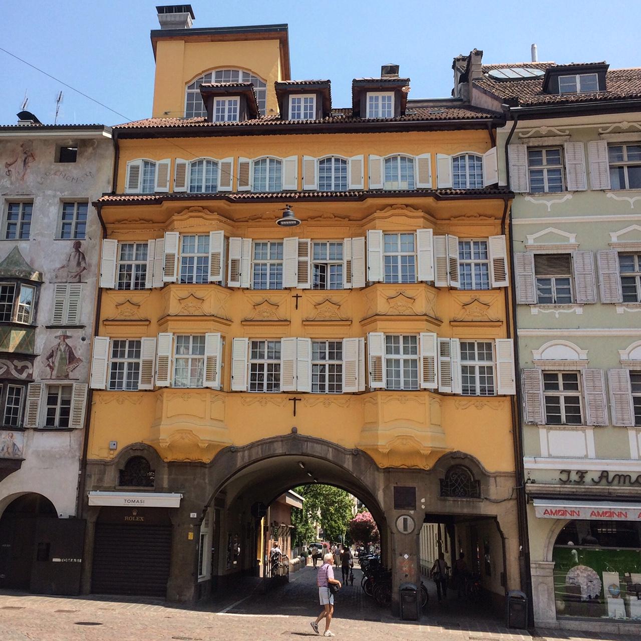 Bolzano, Dolomieten