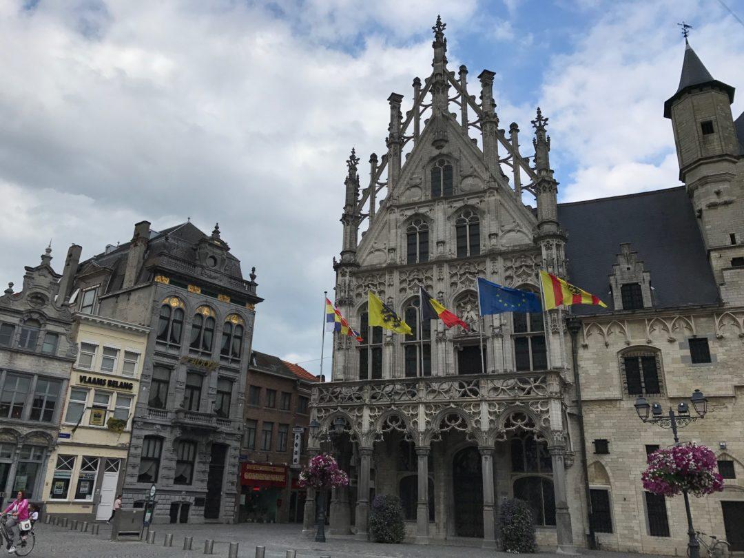 Mechelen, Stadhuis