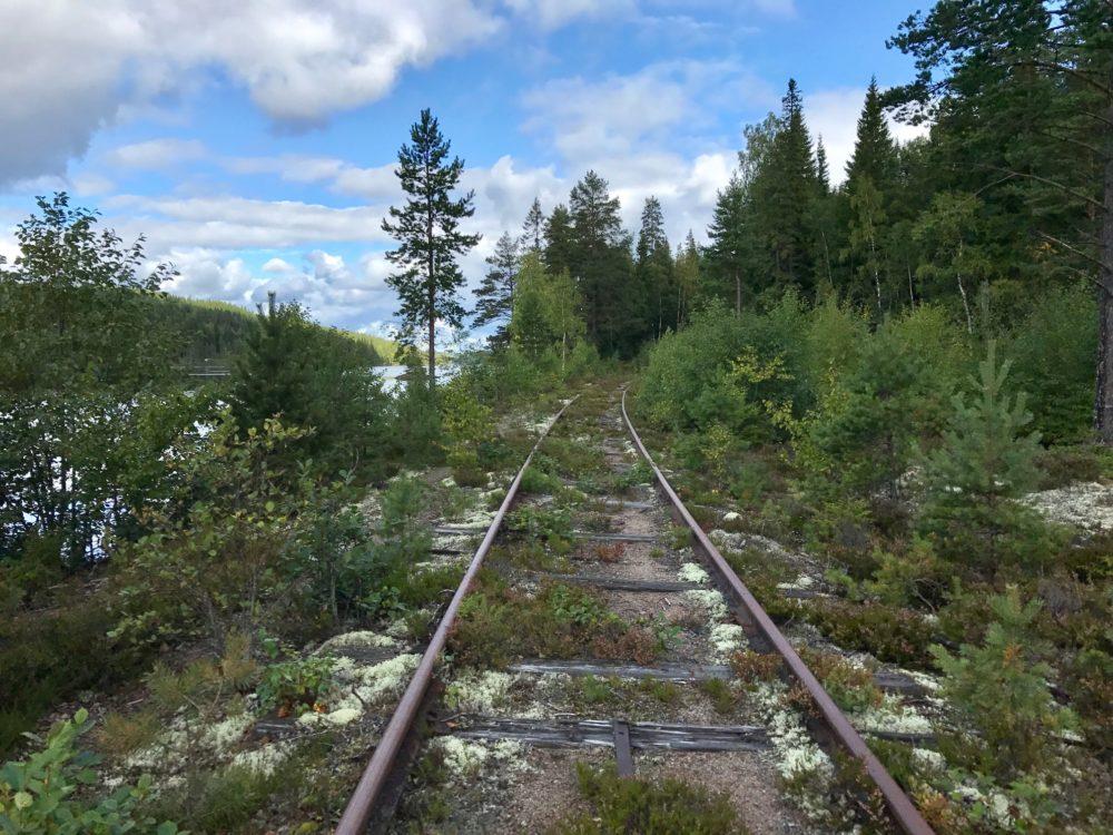 Fietsen over het spoor in Zweden